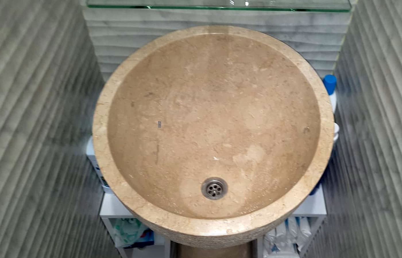 Раковина из мрамора крема Нова